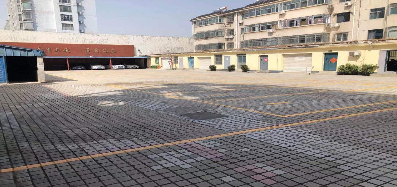 资产运营公司规划停车位,助力创建文明城